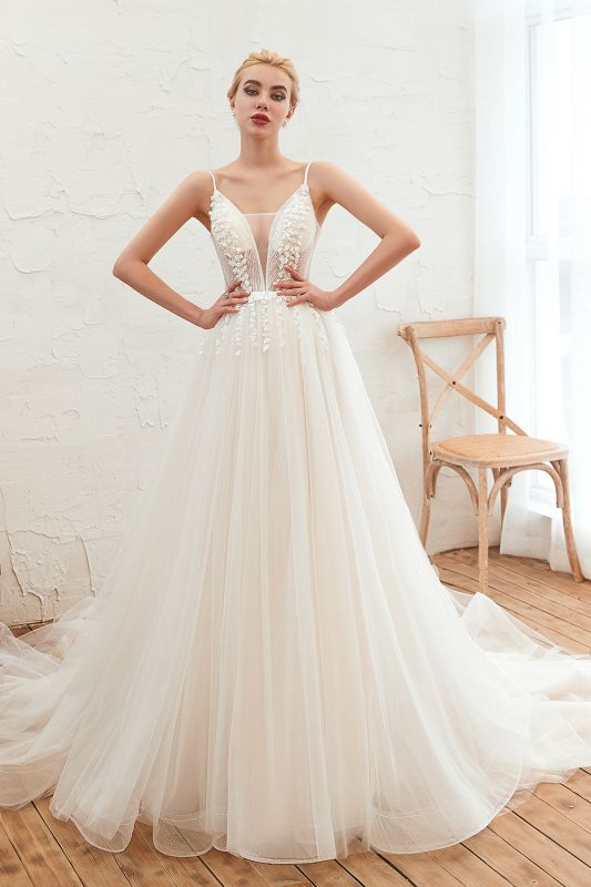 Chic Spaghetti Straps V-Neck Ivory Tulle Wedding Dress with Appliques