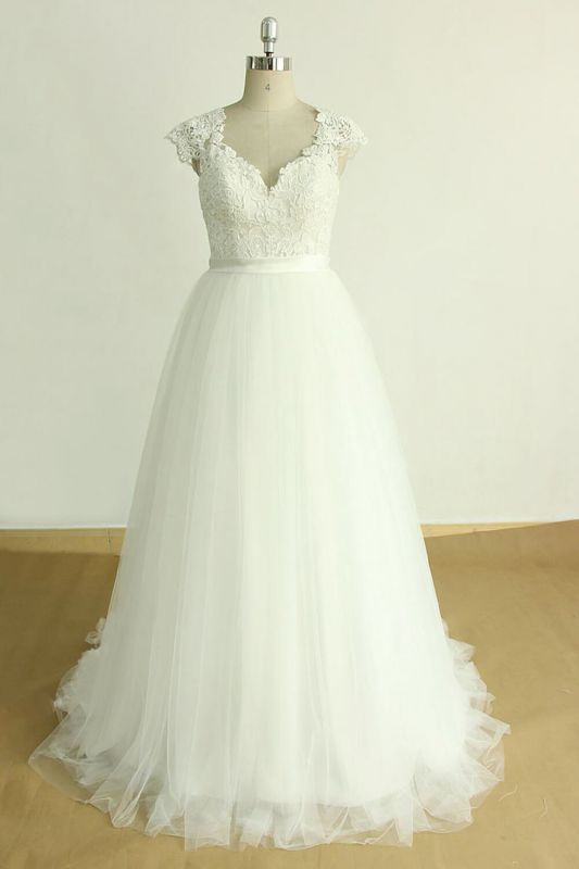 Stylish White Tulle Lace Wedding Dress | Appliques A-line Ruffles Bridal Gowns