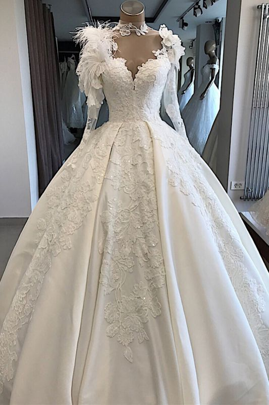 Long-Sleeves Brilliant High-Neck Appliques Flowers Feather Wedding Dresses