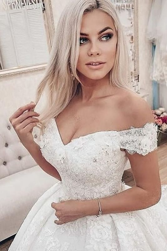 Eye-Catching Off The Shoulder Tulle Lace Ruffles Wedding Dresses Long