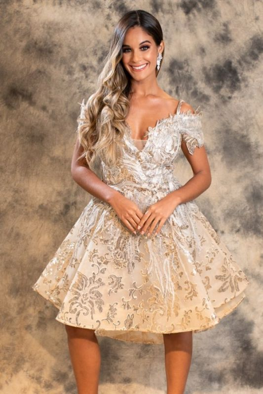 Stylish A-Line Lace Short Prom Dress Off-Shoulder Homecoming Dress Online