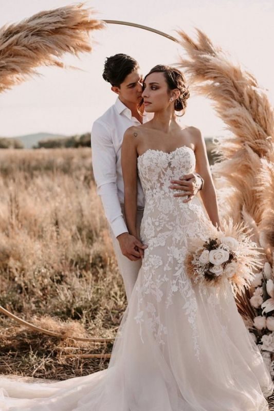 Simple Strapless Sweetheart Tulle Lace Wedding Dress Online