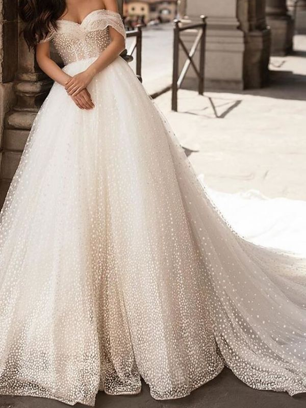 Country Plus Size Ball Gown Off Shoulder Wedding Dress Tulle Short Sleeve Bridal Gowns with Chapel Train