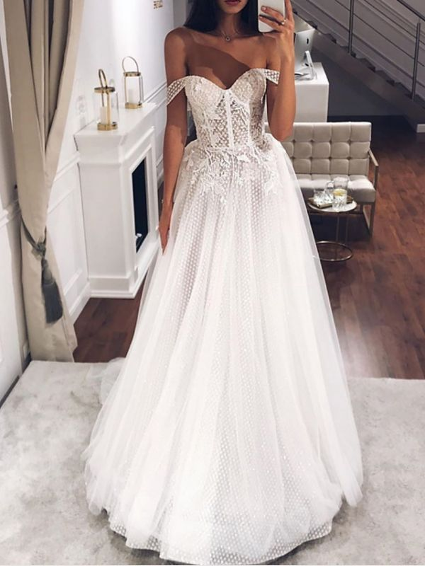 Country Plus Size A-Line Off Shoulder Wedding Dress Tulle Short Sleeve Bridal Gowns with Sweep Train