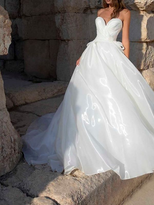 Country Plus Size A-Line Wedding Dress Sweetheart Sleeveless Bridal Gowns with Sweep Train