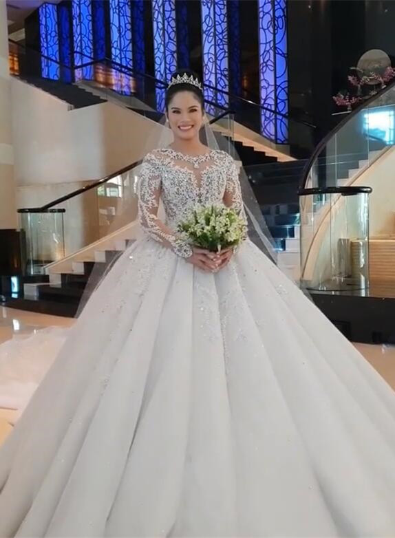 Unique Ball Gown Wedding Dress Long sleeves Royal White Bridal Gowns On Sale