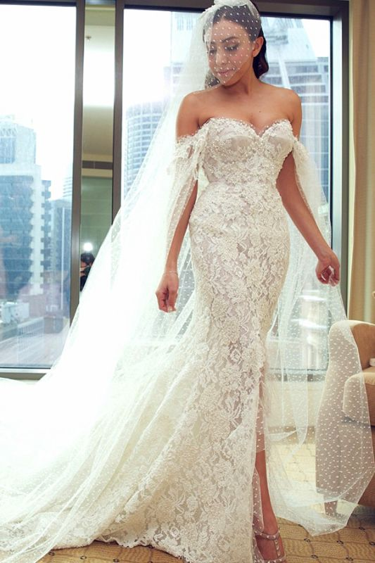 Gorgeous Sweetheart Lace Mermaid Wedding Dresses Front Split Bridal Dresses with Tulle Wrap