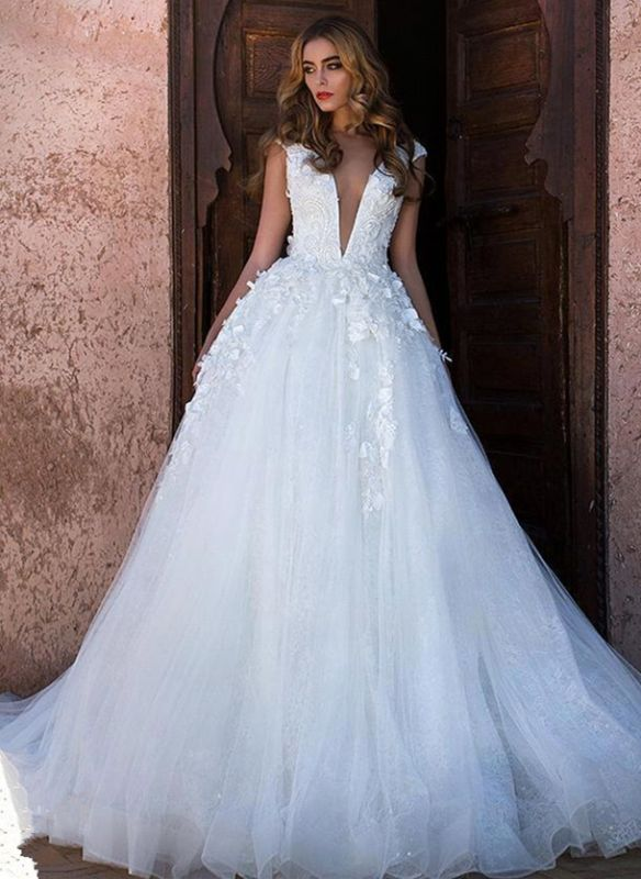 Sexy V-neck Lace Appliques Sleeveless Puffy Tulle Cheap Wedding Dresses on Sale
