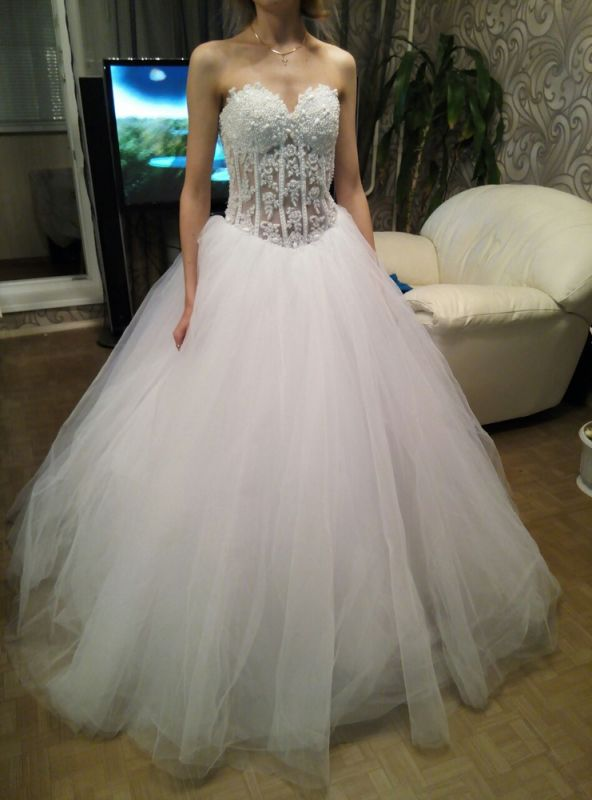 White A-Line Sweetheart Tulle Bridal Gown with Beadings Lace-Up Crystal Plus Size Wedding Dress