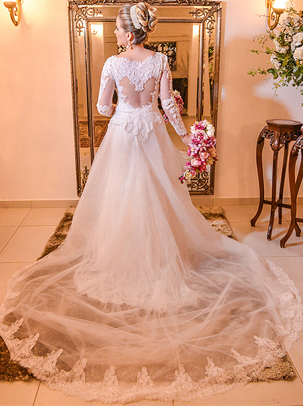 Elegant Lace Plus Size Wedding Dress 2020 Long Sleeve A-line Bride Dresses with Long Train