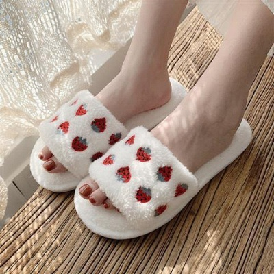 Pineapple Strawberry Pattern Fluffy Slippers On Sale_3