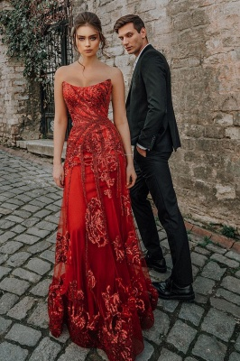 Beautiful Strapless Ruby Tulle Sequins Sheath Prom Dresses With Appliques_4