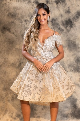 Stylish A-Line Lace Short Prom Dress Off-Shoulder Homecoming Dress Online_1
