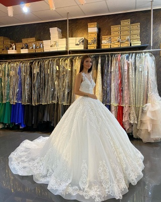 Gorgeous Sleeveless White Tulle Lace Ruffles Ball Gown Wedding Dresses_2