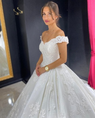 Eye-catching Off The Shoulder Lace Sweetheart White A-lIne Wedding Dresses_5