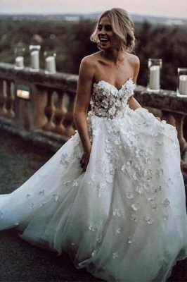 Romantic Strapless White Wedding Dresses With Lace Appliques_3