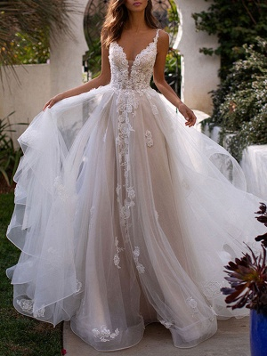Charming Spaghetti Straps Tulle Backless Wedding Dresses With Lace Appliques