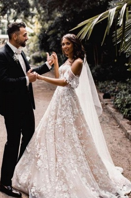 Classic Off-the-Shoulder Wedding Dress With Lace Appliques Bridal Gowns