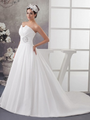 A-Line Wedding Dress Strapless Satin Strapless Bridal Gowns with Chapel Train_2