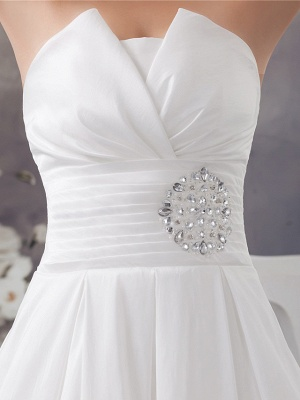 A-Line Wedding Dress Strapless Satin Strapless Bridal Gowns with Chapel Train_6