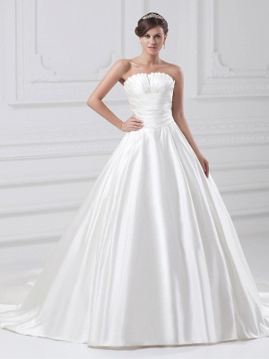 Plus Size Ball Gown Wedding Dress Strapless Satin Strapless Bridal Gowns with Court Train