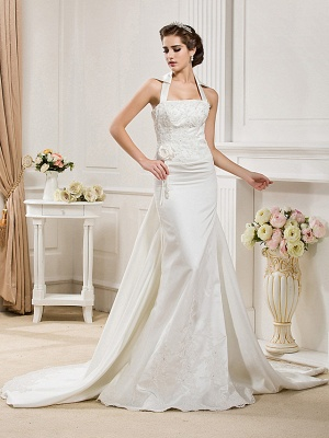 Affordable Mermaid Halter Wedding Dress Satin Sleeveless Bridal Gowns with Court Train