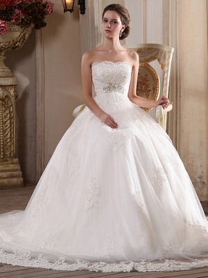 Princess A-Line Strapless Wedding Dress Scalloped-Edge Satin Tulle Sleeveless Bridal Gowns with Chapel Train_4