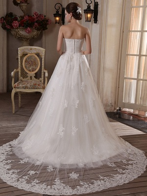 Princess A-Line Strapless Wedding Dress Scalloped-Edge Satin Tulle Sleeveless Bridal Gowns with Chapel Train_3