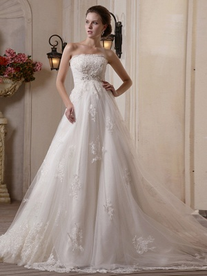 Princess A-Line Strapless Wedding Dress Scalloped-Edge Satin Tulle Sleeveless Bridal Gowns with Chapel Train