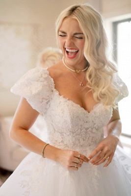 Elegant Short Sleeves White Long Wedding Dress With Lace Appliques_1