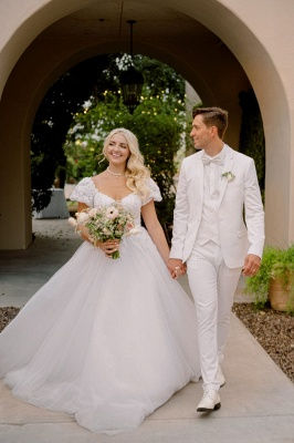 Elegant Short Sleeves White Long Wedding Dress With Lace Appliques_5