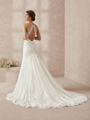 Elegant Halter White Long Wedding Dress With Lace Appliques_2