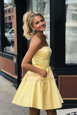 Sweet Short Strapless A-line Homecoming Dresses_1