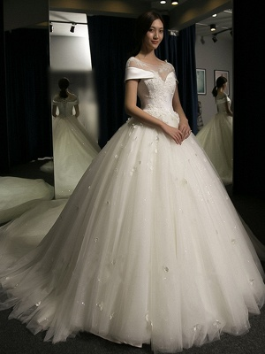 Puffy Lace-Applique Wedding Dresses 2020   Scoop Cap-Sleeves Exquisite Gowns_5