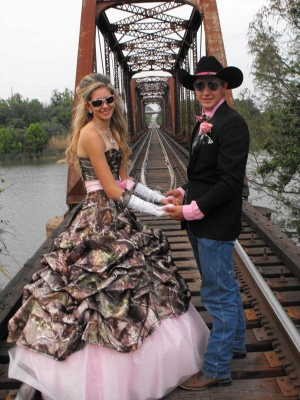 Cute Pink Camo Wedding Dress Sweetheart Drapped Ball Gown Vintage Forest Prom Dresses_2