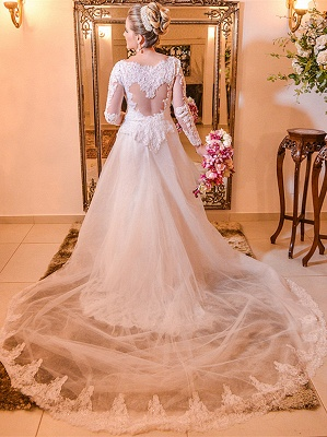 Elegant Lace Plus Size Wedding Dress 2020 Long Sleeve A-line Bride Dresses with Long Train_1