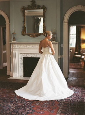 V-neck Spaghetti Straps Outdoor Wedding Dresses 2020 Satin Beach Bridal Gowns with Lace_5